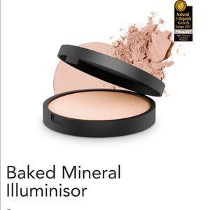INIKA Baked mineral illuminisor